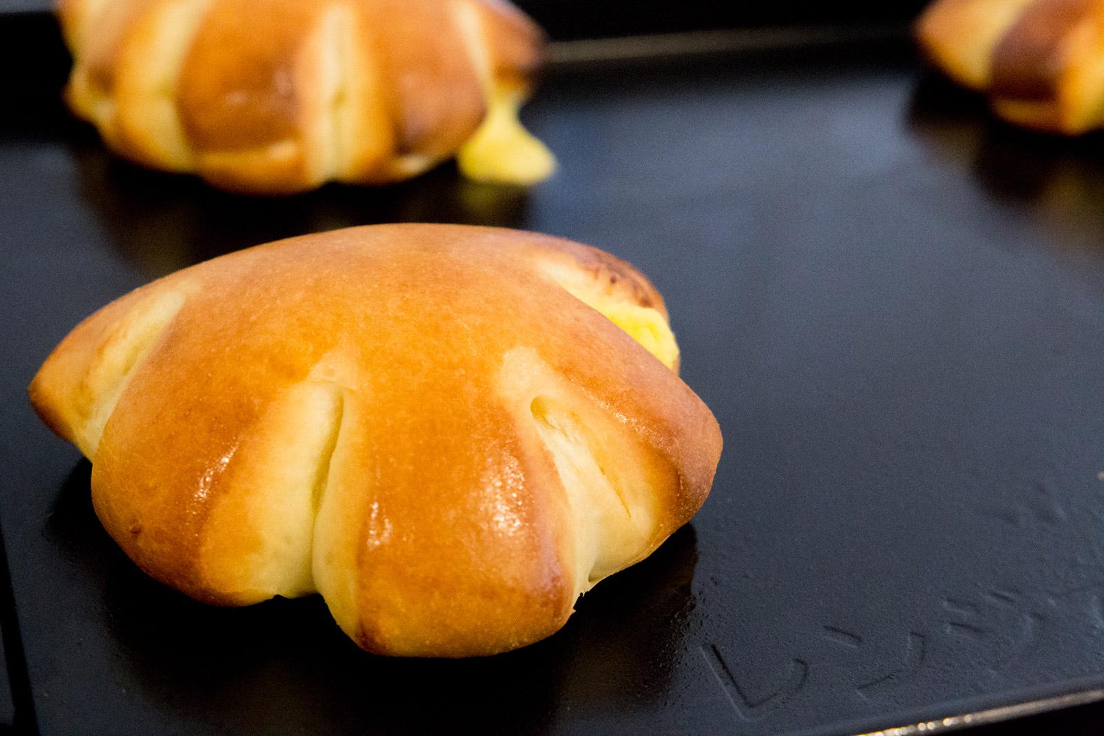 カスタードから作るクリームパン